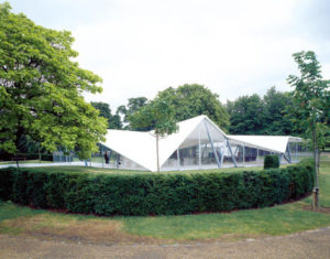 foto Serpentine-Gallery-Pavilion-2000-by-Zaha-Hadid